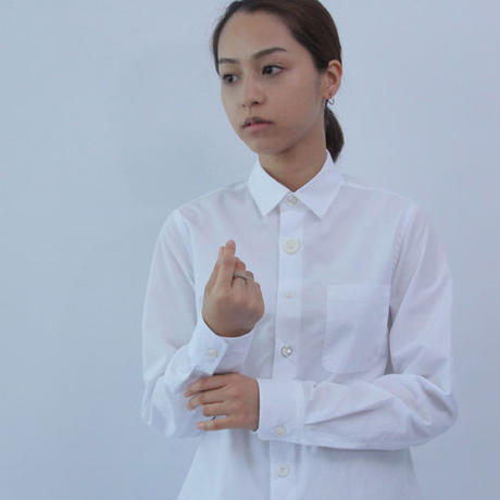 Different Button and Knit Sleeve White Basic Shirt.(Ladies' SIZE:1)