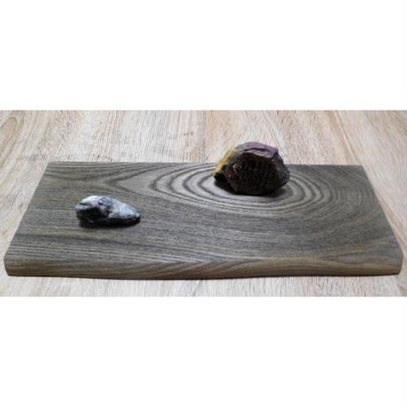 地球の石(意思)「流水」木部:幅35㎝奥行⒕㎝厚さ1.5㎝ 石部:高さ6㎝横8㎝厚さ2.5㎝