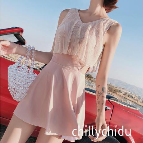 新作 CUTE ワンピース水着 フレアデザイン 肌見せ ピンク