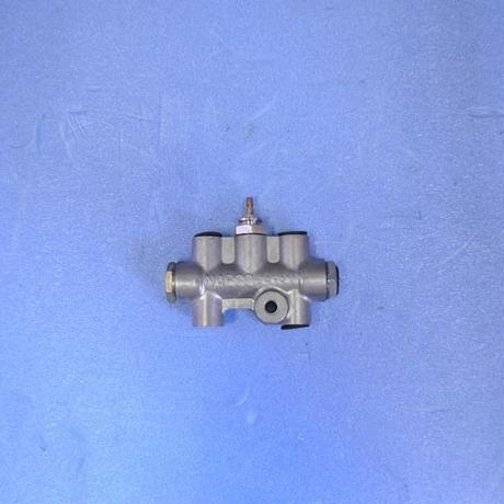 SR311フェアレディ 純正部品 43年式以降 当時物新品ブレーキインジケータスイッチ