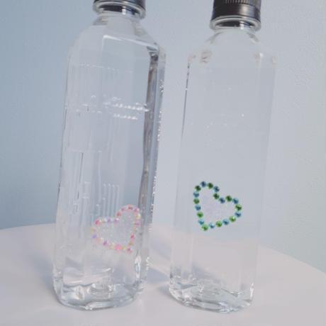 #シンプル#ペットボトル#モノトーン#ミネラルウォーター#ピンク#水色#ハート#ストーン#カップル#ボトル#お揃い#先輩#プレゼント#インテリア#ボディジュエリー