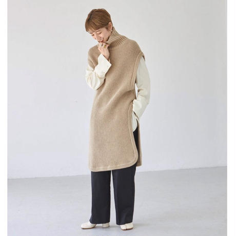 【御予約】Roundhem Knit Vest
