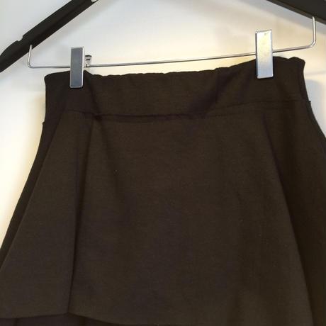 スウェット素材フリルロングスカート・ブラック
