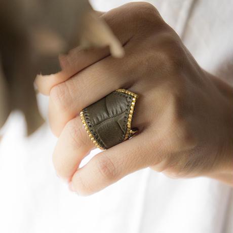 Leather & Beads ring khaki vol.1