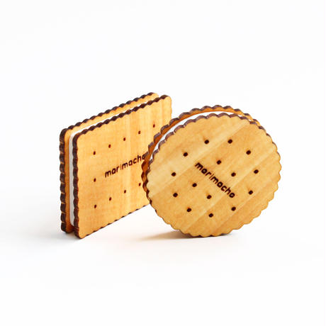 木製のビスケットサンドブローチ
