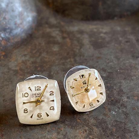 antique dial pierced earrings【K0555】