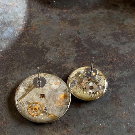"antique  dial pierced earrings ""vintage OMEGA""【K0541】"