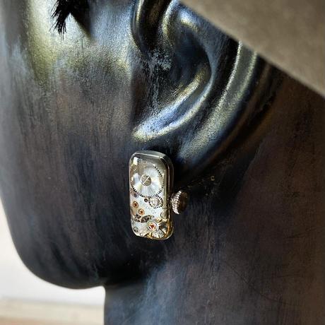 antique ladies movement pierced earrings【K0577】