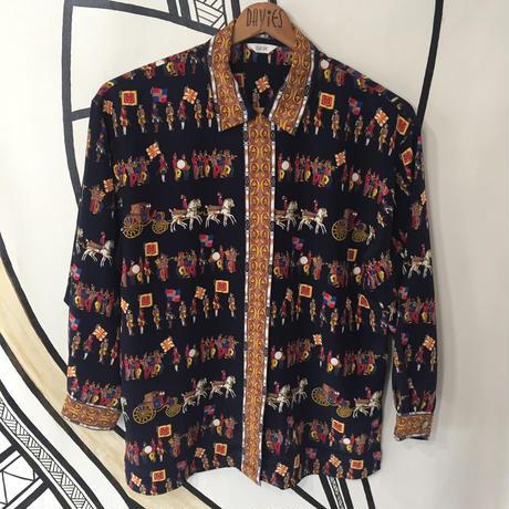 【スペシャル】スカーフ チェーン柄 英国行進デザイン 隠れボタン 柄シャツ