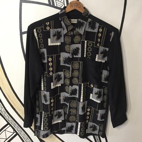 【個性的】ブラック 幾何学模様 ナンバーデザイン 柄シャツ