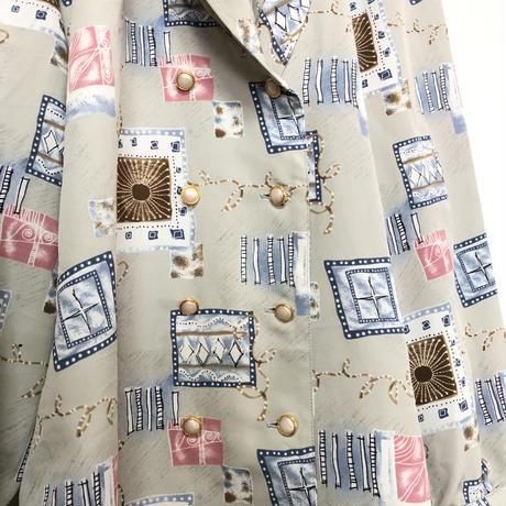 【個性的】変形 デザイン パステルグレー 幾何学模様 ドレープ柄シャツ