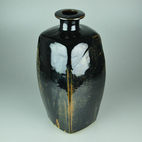 Bernard Howell Leach Moulded Tenmoku Bottle.                【お問い合わせ商品】