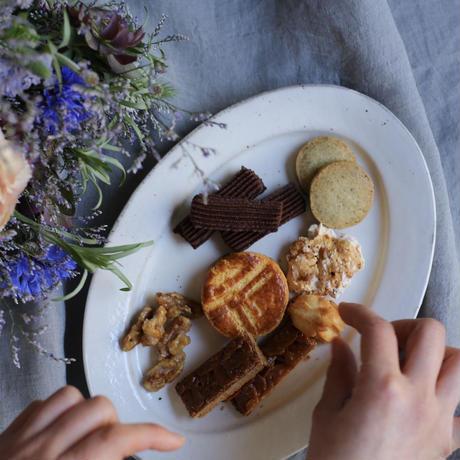 季節のお菓子とお花のお届け便 母の日の贈りもの / 店頭渡し