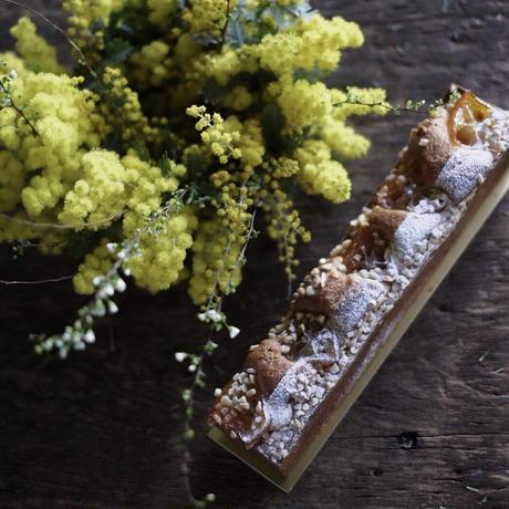 『季節のお菓子とお花のお届け便』春のお届けもの