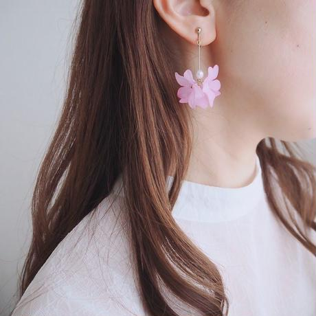 すみれ色のお花のピアス・イヤリング