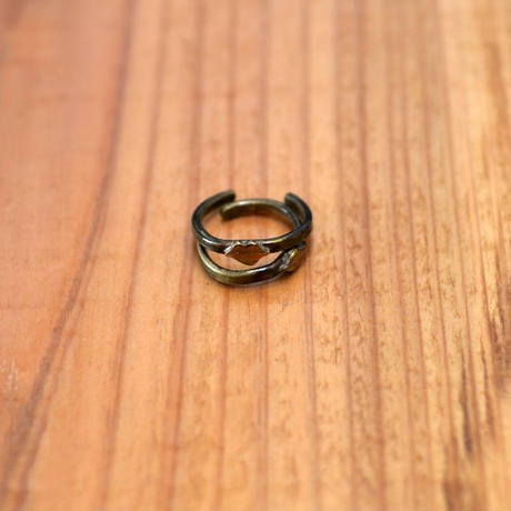 Lair Lips Pinky Ring
