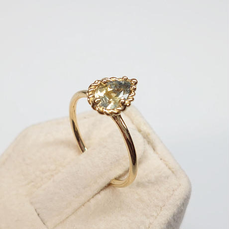 21R76 K18YG Ring (Bicolor Sapphire)