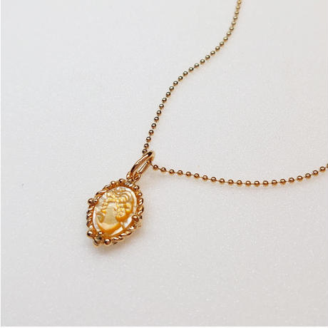 Silver(K18Gp) Necklace (Shell Cameo)
