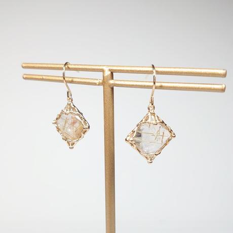 21P83 SV(K18Gp) Earrings (Rutile quartz)