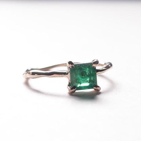 Charm Ring  №404 / Emerald