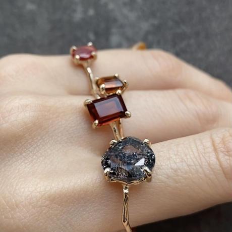 Charm Ring  №426 / Super seven