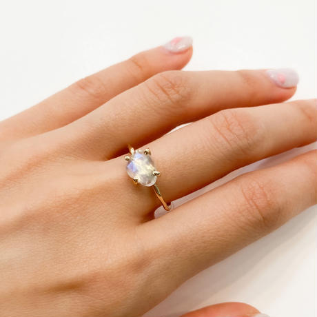 Charm Ring  №316 / Rainbow Moonstone