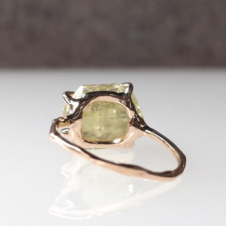 Charm Ring  №420 / Brazillianite