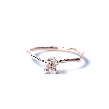 Charm Ring №296 / Oil in Quartz