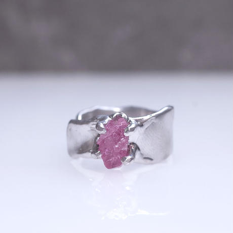 Charm Ring  №436 / Spinel