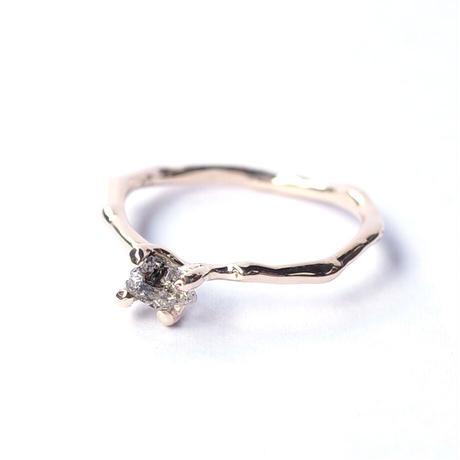 Charm Ring  №297 / Oil in Quartz