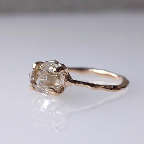 Charm Ring  №502 / Oil in Quartz