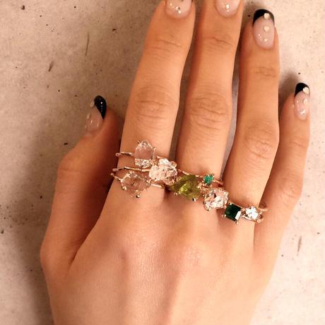 Charm Ring  №406 / Peridot
