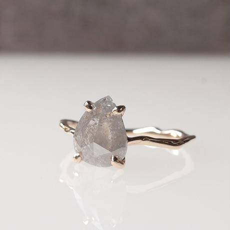 Charm Ring  №427 / Diamond