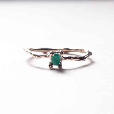 Charm Ring  №405 / Emerald