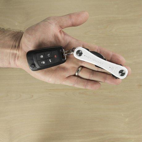 KEYSMART PRO ホワイト キースマート プロ tile 内臓 LEDライト 付き トラッキング キーケース