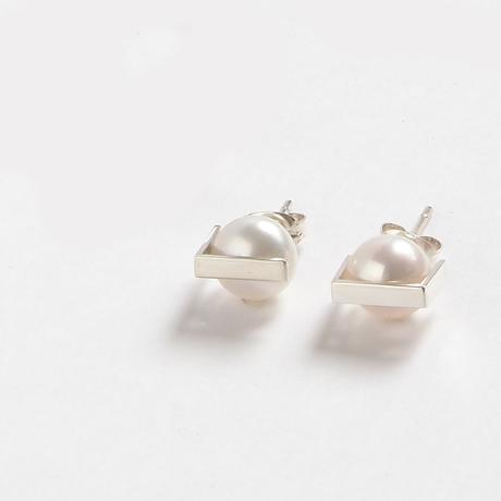 pierced earrings かくれんぼ