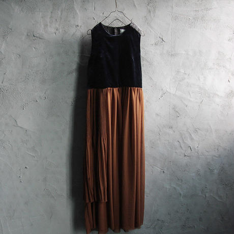 Tabrik no sleeve dress (navy x brown)