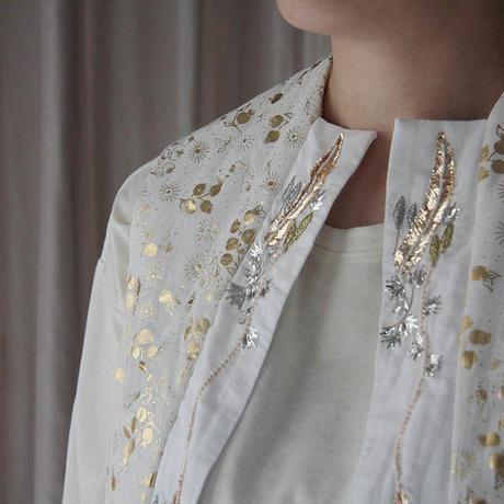 TOWAVASE Noix vest (White x gold)