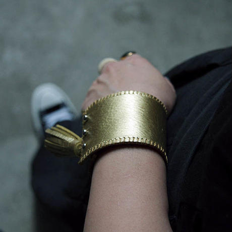 chiihao x nii-B tassel bangle gold