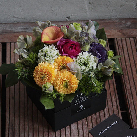 season flower arrangement (size M)