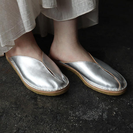 M Tulip leather Slip-on sandals (silver)