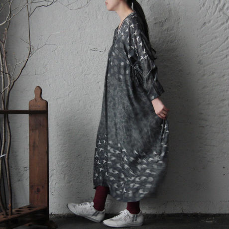 TOWAVASE Sarasa dress (black)