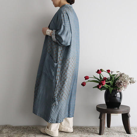 TOWAVASE sarasa silk robe (blue)