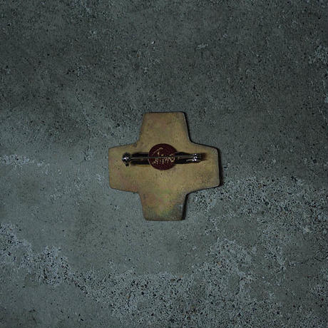 shima brooch  medium F