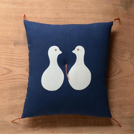 型染め本縫い小座布団 向かい鳥