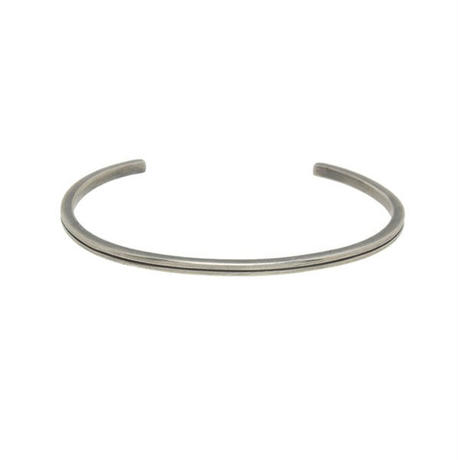THEFT - narrow reverse round bangle
