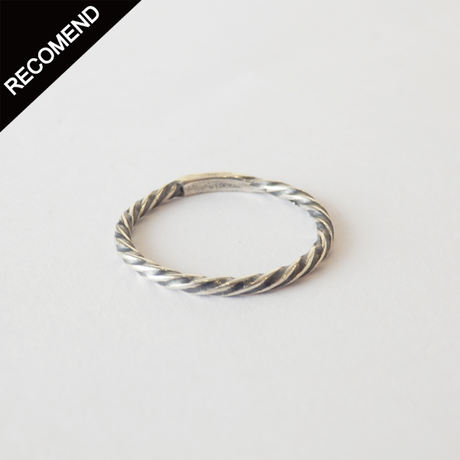 THEFT - narrow twist ring