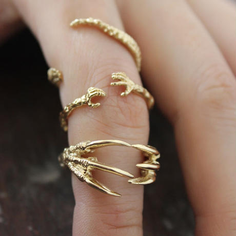VERAMEAT - Dino Claw hug ring