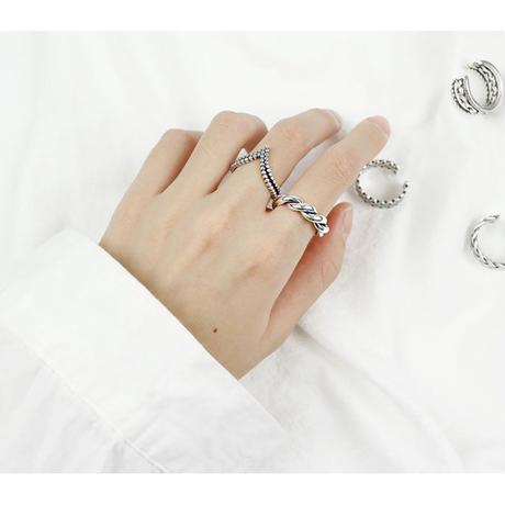 j84.S925  rope ring