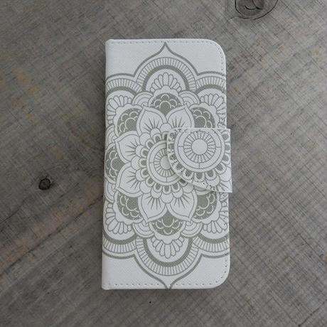 iphone-02206 送料無料! 手帳型 エスニック柄ホワイト カード収納付き iPhoneケース iPhone6ケース
